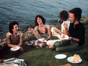 Goldin Nan, Picnic on the Esplanade, Boston 1973